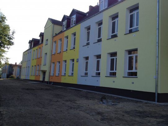 Kolorowa szkoła w Ściechowie